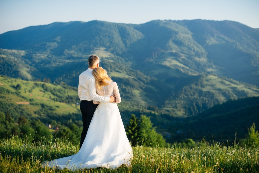 Minimalist Wedding: Yay or Nay?