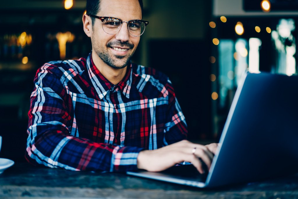 How the Internet Enhances Communication for Businesses